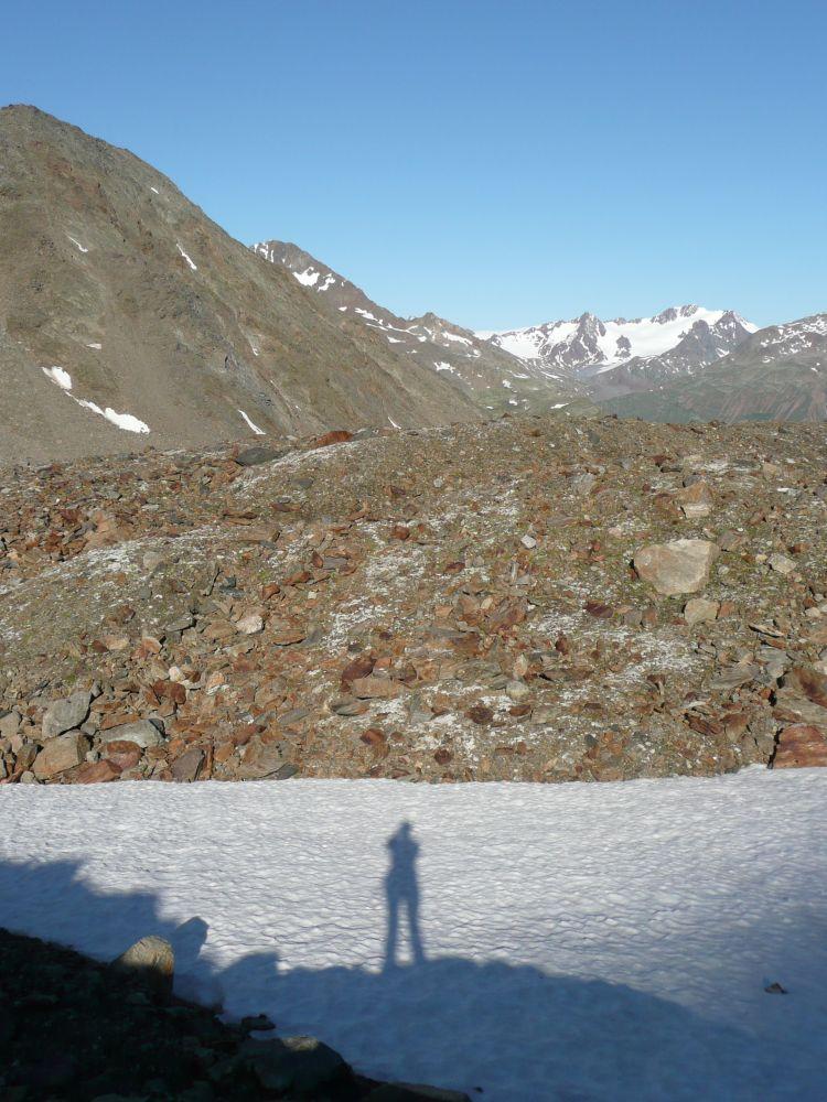 Schatten auf dem Eis.